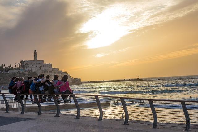 חינוך בתל אביב