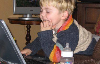 לימוד מחשבים לילדים – למה חשוב להתחיל בגיל צעיר