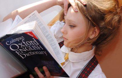 מתי כדאי להתחיל ללמד ילדים אנגלית ואיך גורמים להם לשתף פעולה?